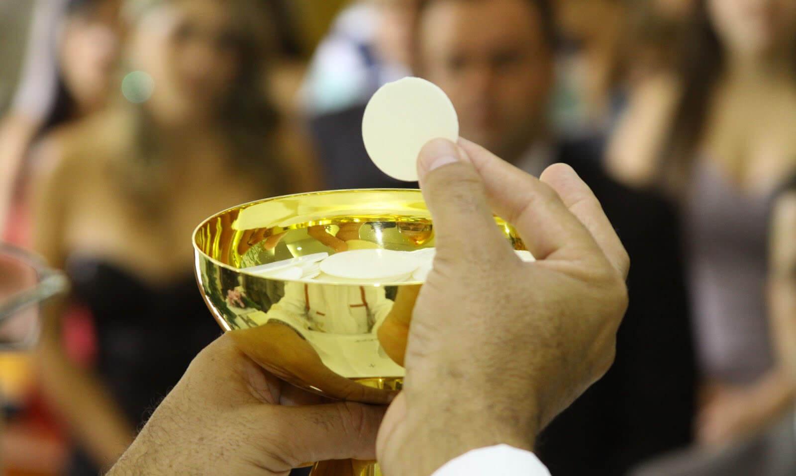 Nota de prensa del Arzobispado de Pamplona-Tudela: Profanar a Jesús Eucaristía es un sacrilegio gravísimo